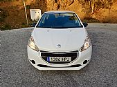 please mouse over this PEUGEOT 208 thumbnail for larger photograph