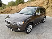 please mouse over this MITSUBISHI OUTLANDER thumbnail for larger photograph